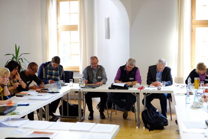 Arbeitsphase beim Vernetzungstreffen im Vöhlinschloss in Illertissen